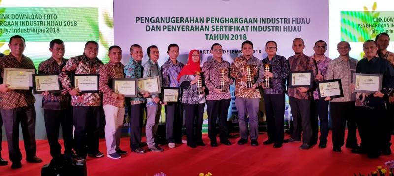 10 Pabrik AQUA Meraih Penghargaan Industri Hijau 2018