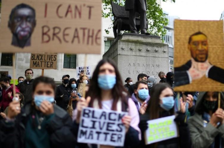 10 Polisi Terluka dalam Aksi Protes Rasisme di London