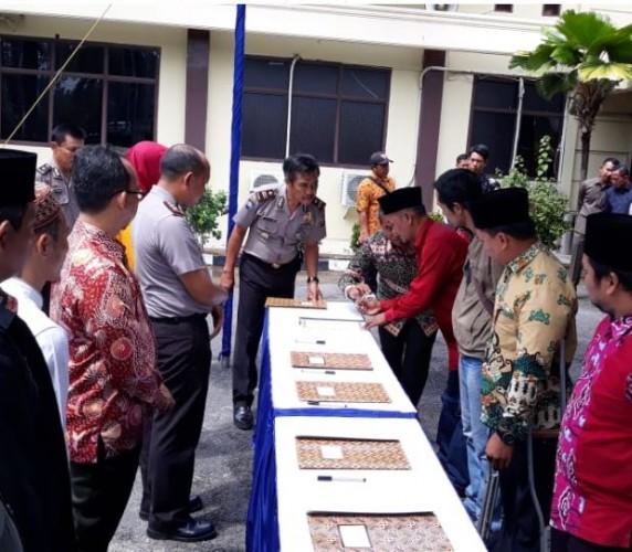 101 Calon Kepala Kampung Sepakat Jaga Persatuan di Tulangbawang