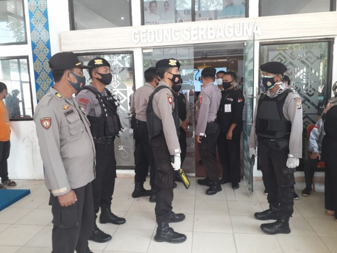 105 Personel Polres Way Kanan Dibantu Kodim 0427 Amankan Debat Publik