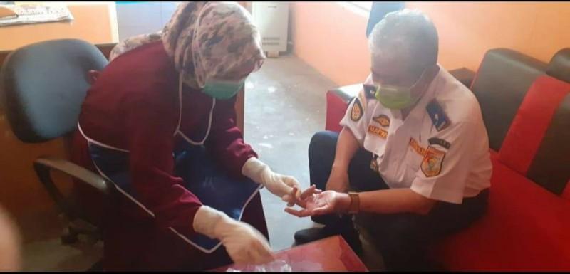 12 Pegawai Dishub Tubaba Jalani <i>Rapid Test</i>