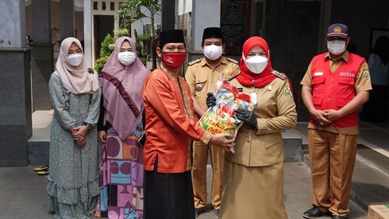 120 Ponpes dan 82 Panti Asuhan Dapat Bantuan Sembako dari Pemkot