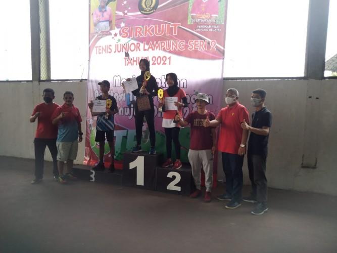 13 Atlet Tenis Junior Metro Raih Medali pada Ajang Sirkuit Tenis Junior Lampung