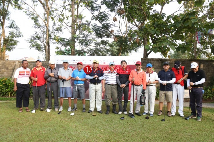 Arinal Djunaidi Ikuti Open Tournament Golf Lampung Post