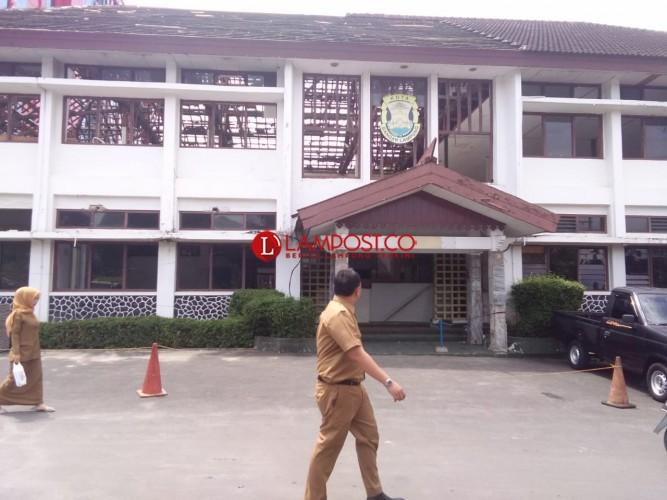 Gedung Tohow Mulai Dibongkar untuk Pelebaran Lahan Parkir