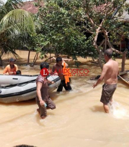 Bocah Tenggelam di Lokasi Banjir