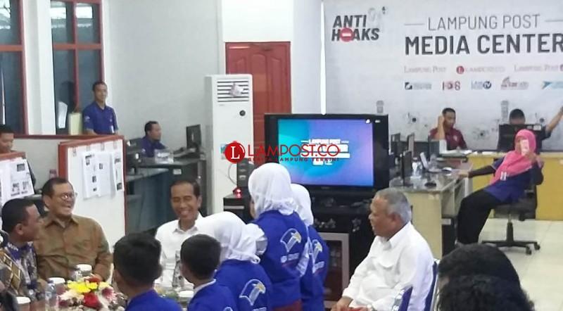 Presiden Jokowi Diberondong Pertanyaan oleh Repcil Lampung Post
