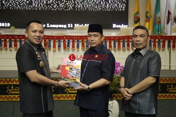 Gubernur Ridho Sampaikan LKPJ-AMJ 2014-2019
