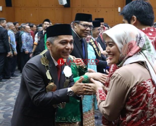 Wagub Nunik Hadiri Pelantikan Rektor Unila