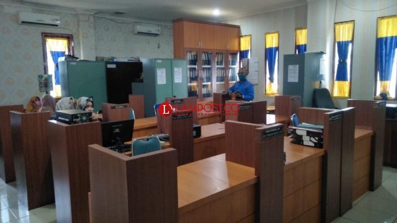 Kantor Pemkab Lampung Utara Sepi