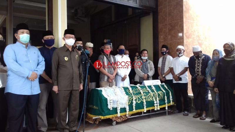 Jenazah Mantan Wagub Lampung Subki E. Harun Dikebumikan Hari Ini