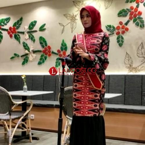 Muli Lampung Baca Puisi Isbedy