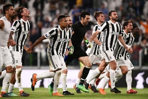 Kalahkan Bologna, Juventus Menuju Gelar Juara