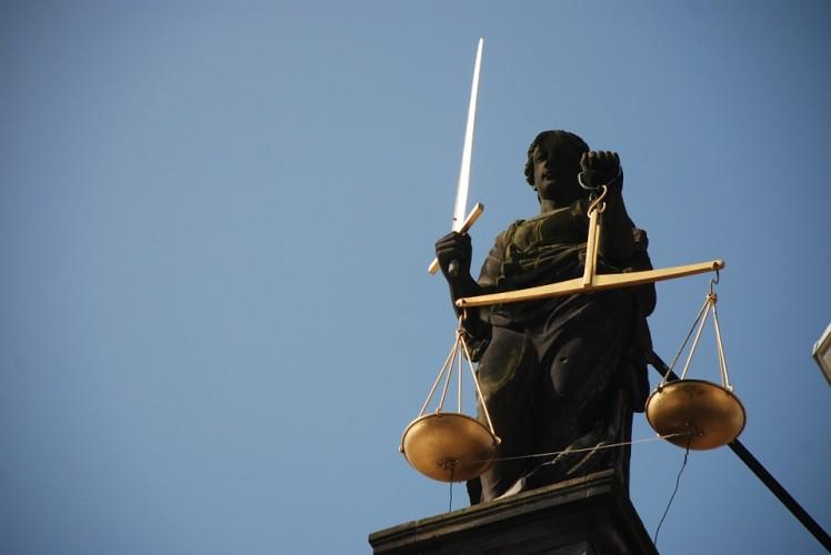 2 Terdakwa Korupsi Lampu Jalan Lamsel Dituntut Hukuman Penjara dan Denda