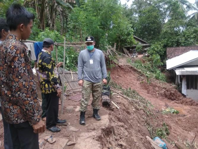 20 KK Korban Longsoran Padangcermin Mengungsi