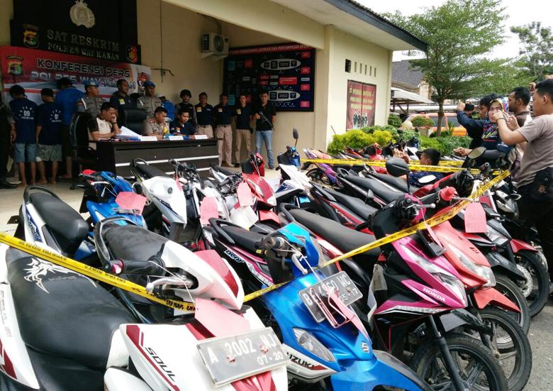 LAMPOST TV: Jual Motor Curian di Medsos, 13 Penadah Dibekuk