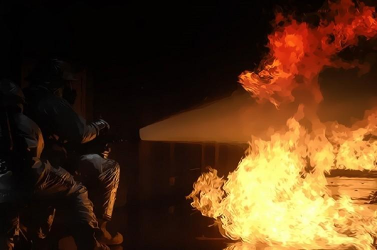296 Kios di Pasar Kota Pinang Terbakar