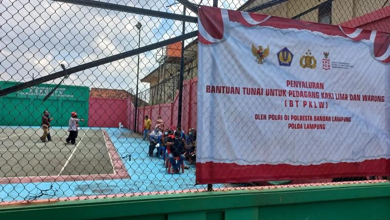 3.000 PKL di Bandar Lampung Terima Bantuan Sembako