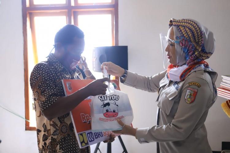 300 Warga Tak Mampu Tulangbawang Dapat Bantuan Bedah Rumah