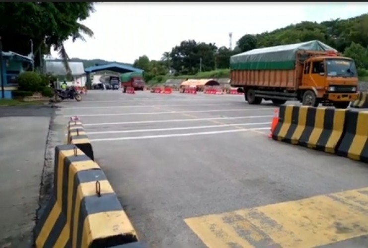 336 Kendaraan Dilarang Menyeberang ke Jawa