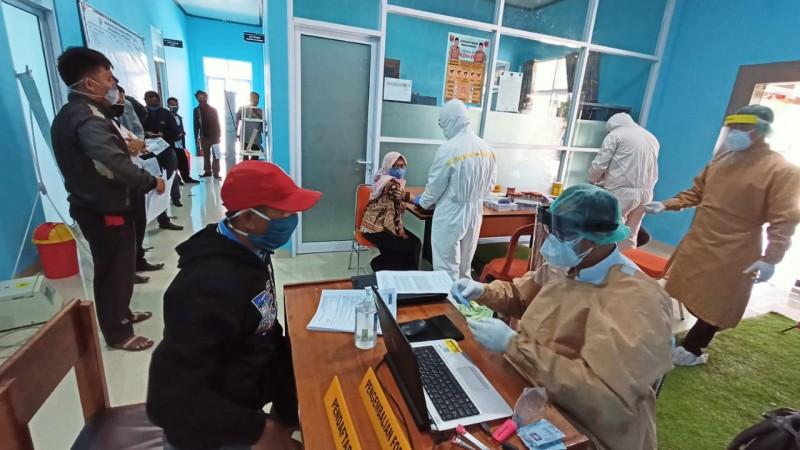 375 Petugas BPS Lampung Barat Jalani Rapid Test