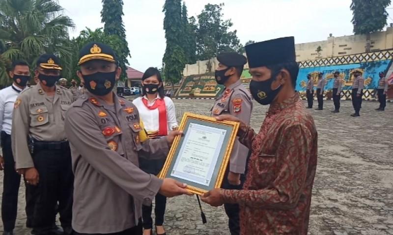 4 Warga Tanggamus Diganjar Penghargaan Atas Dedikasi Menjaga Kamtibmas