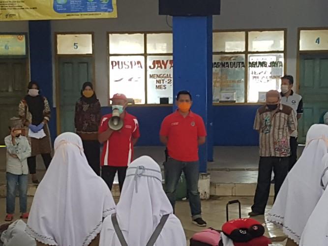 40 Santri dari Ngawi Tiba di Terminal Rajabasa