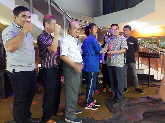 Enam Atlet Wushu Lampung Terima Tali Asih