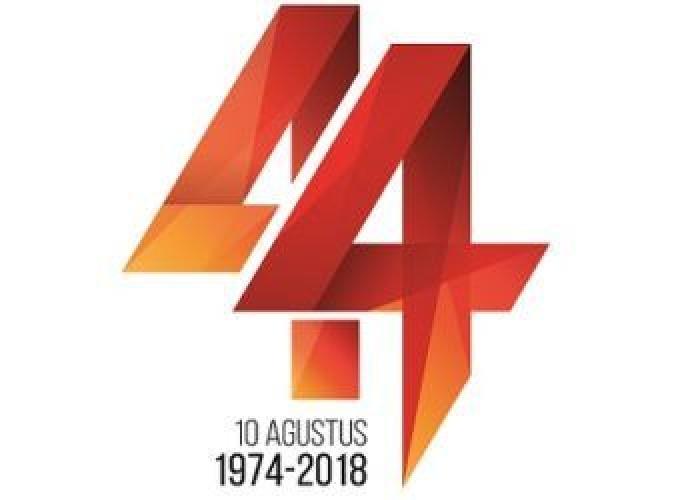 44 Tahun Bersolek