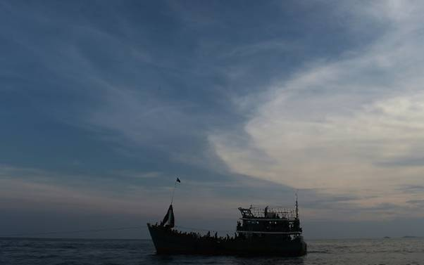 Terapung di Laut, Lima Pengungsi Rohingya Diselamatkan Nelayan Indonesia