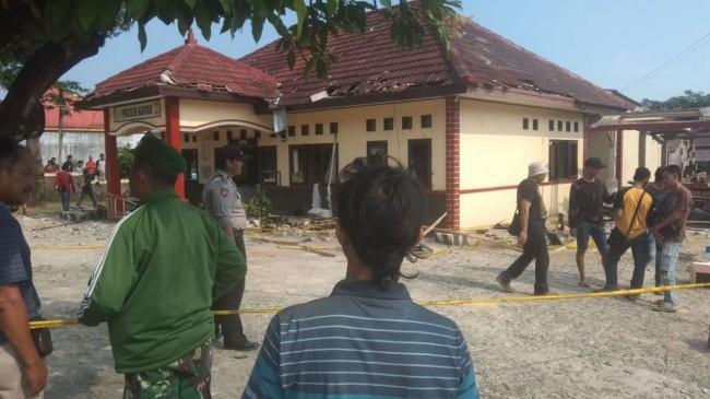 Mapolsek Bayah Banten Diserang Karena Salah Paham