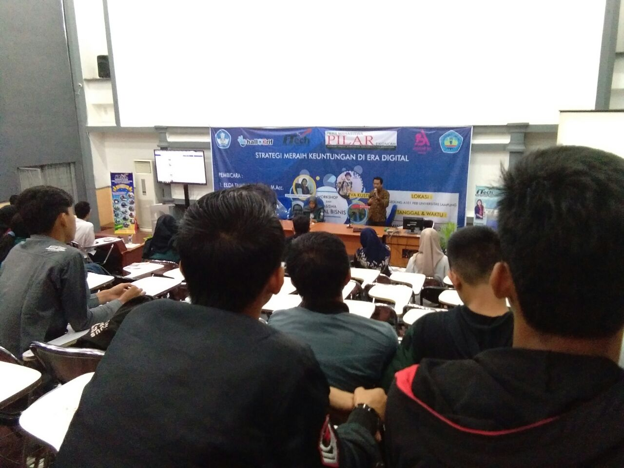 ITech & Halloarif-Pers Mahasiswa Pilar Gelar Workshop Meraih Keuntungan Era Digital