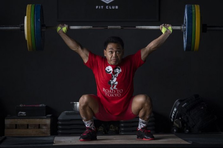 5 Lifter Indonesia Lolos Kualifikasi Olimpiade Tokyo
