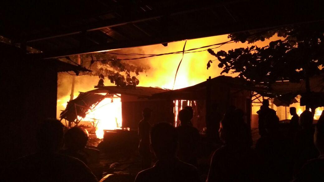 Penampungan Sementara Pasar Way Halim Terbakar