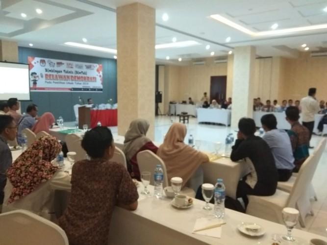 55 Relawan Demokrasi Pringsewu Dikukuhkan