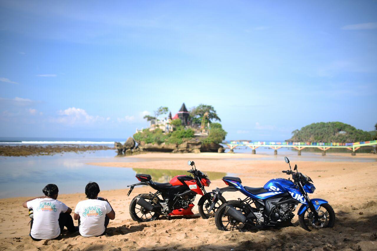 Gunakan Suzuki GSX-S150, 5 Riders Susuri Pesisir Selatan Malang