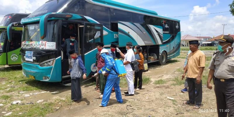 57 Santri dari Jawa Timur Dicek Kesehatan