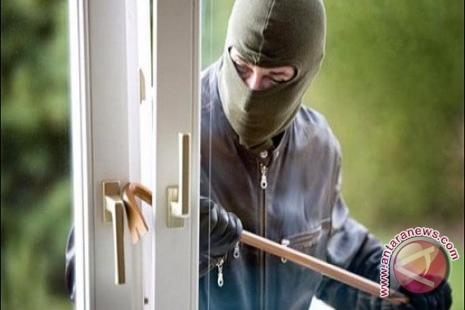 Pencuri Bobol Rumah Warga Kotabumi