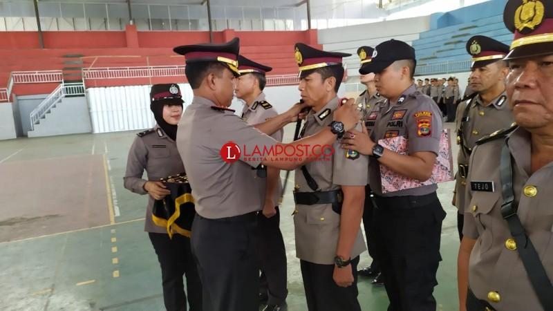 Enam Pejabat Utama Polres Lamsel Dimutasi