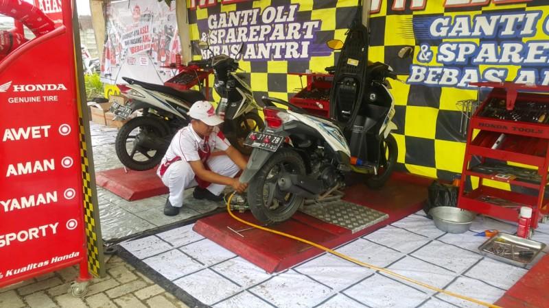 61 Pengendara Honda Nikmati Servis Murah TDM di Ramadan Fest