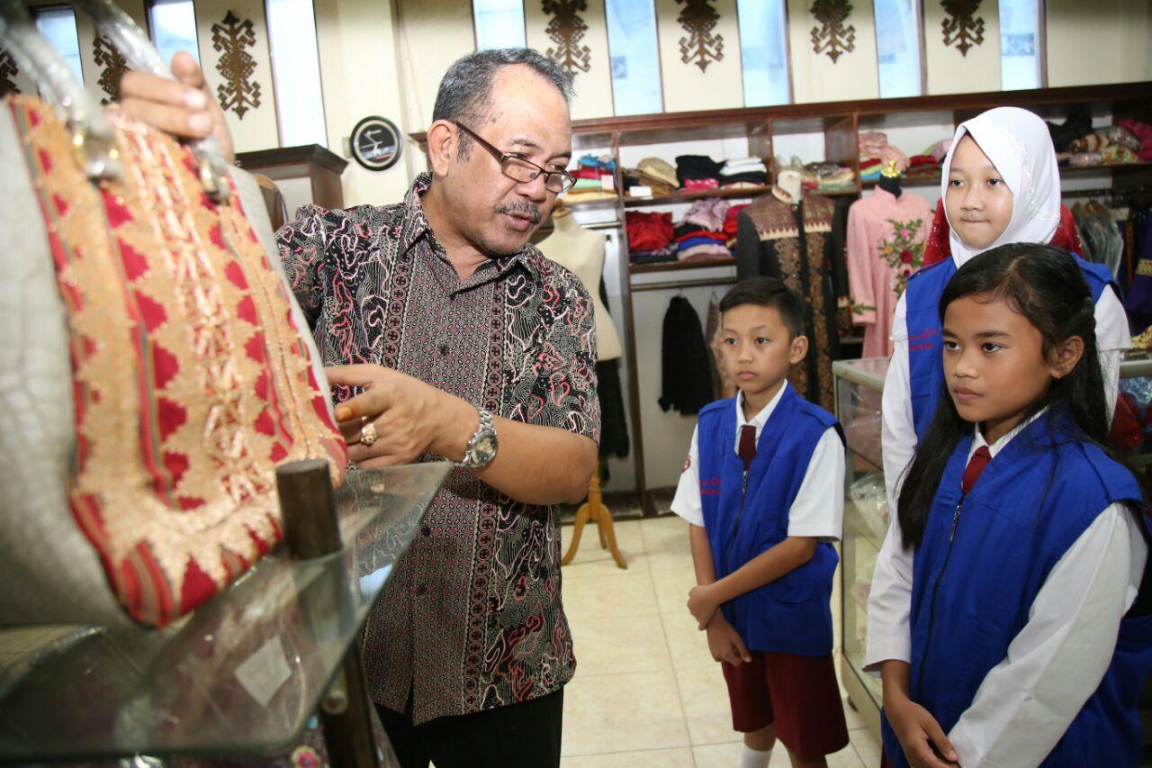 Desanier Aan Ibrahim Berbagi Inspirasi Kepada Repcil Lampung Post