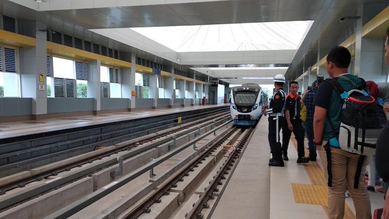 70 Perjalanan Kereta Jarak Jauh Dibatalkan
