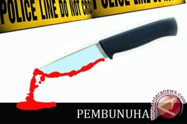 Pembunuh Kakak Ipar Menangis di Persidangan