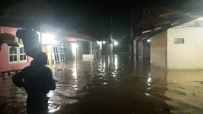 75 Rumah Warga Kelurahan Kalibalok Kencana Terendam Banjir