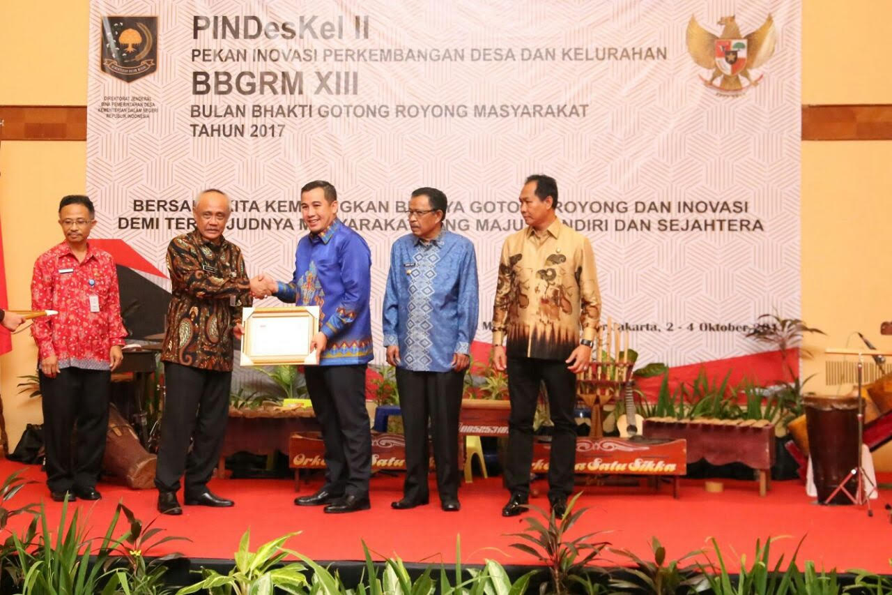 Bupati Pesawaran Sukses Raih Penghargaan Upakarya Wanua Nugraha