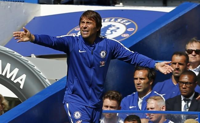 Conte Ingin Chelsea Tiru Tottenham