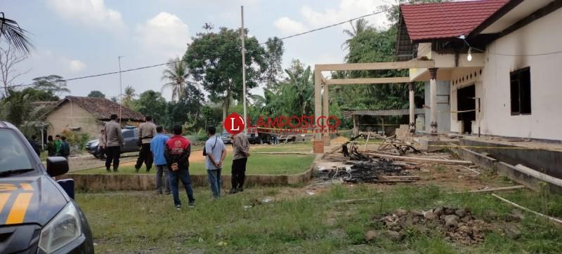 8 Pembakar Mapolsek Candipuro Ditangkap