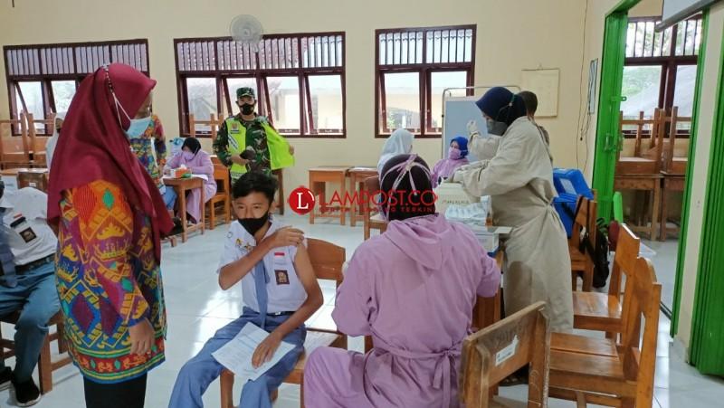 817 Pelajar di Sragi-Palas Telah Vaksin Covid-19 Dosis Pertama