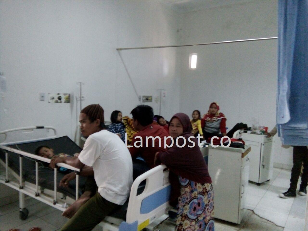 Diduga Keracunan Nasi Besek, 18 Warga Dirawat di RSUD Pesawaran