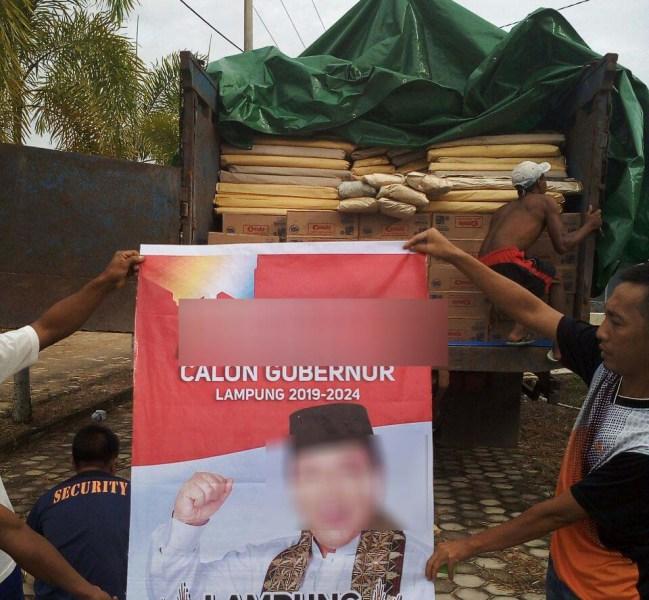 Banner dan Ratusan Dus Kaleng Susu Diamankan Panwas ke Polres Lamteng